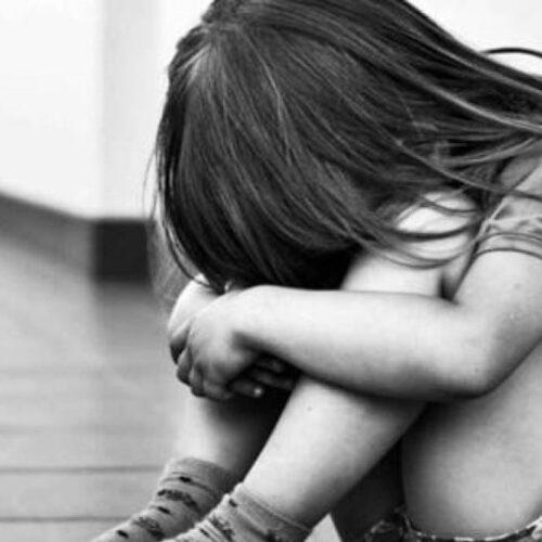 Ευαίσθητοι μόνο στα λόγια - Αισθητά λιγότερες οι καταγγελίες από τα περιστατικά κακοποίησης παιδιών