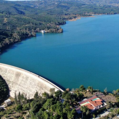 Αιφνιδιαστικά η κυβέρνηση εκχωρεί το 80% των αποθεμάτων νερού της χώρας σε ιδιώτες