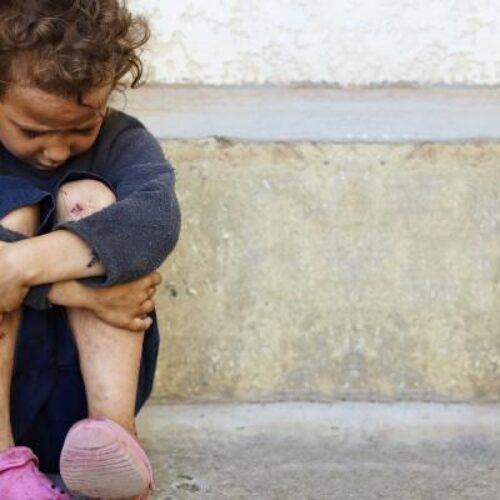 """Μητέρα 9χρονης που λιποθύμησε από πείνα:  """"Μπορούν αυτοί να ζήσουν με 170 ευρώ το δίμηνο;"""""""