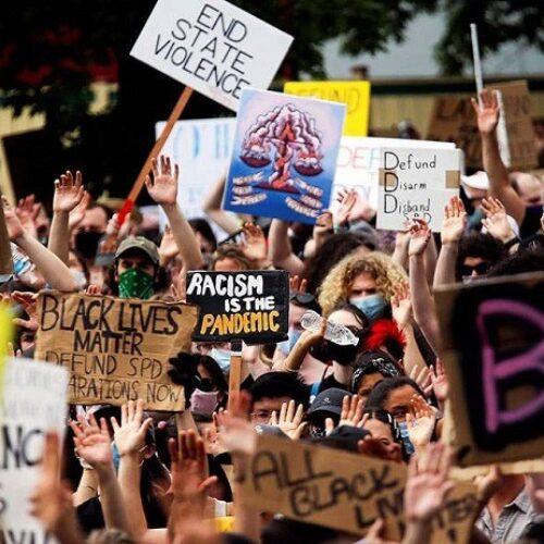 ΗΠΑ: Χιλιάδες Αμερικάνοι τίμησαν χθες την κατάργηση της δουλείας με εκδηλώσεις και πορείες