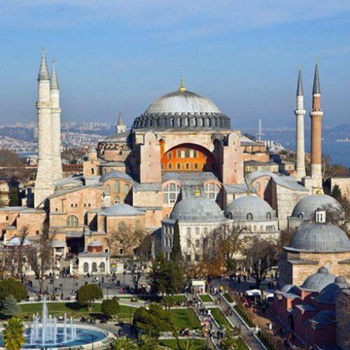 Σε τζαμί και επισήμως μετατρέπεται η Αγία Σοφία - Ο Ερντογάν υπέγραψε το διάταγμα