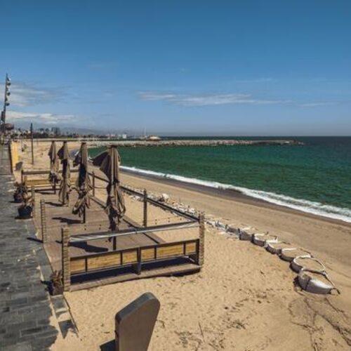 Πόλη φάντασμα: Οι τουρίστες εγκαταλείπουν μαζικά τη Βαρκελώνη
