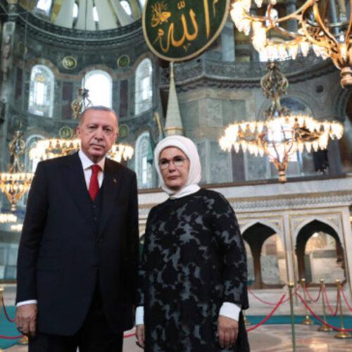 """Παραλήρημα Ερντογάν μετά τη φιέστα: """"Η Αγία Σοφία ήταν τζαμί και έγινε πάλι τζαμί"""""""