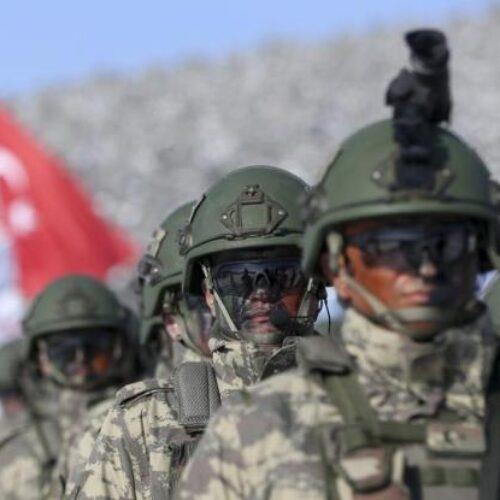 """""""Αγνώστου ταυτότητας"""" αεροσκάφη βομβάρδισαν τουρκική βάση στη Λιβύη - Πληροφορίες για νεκρούς"""