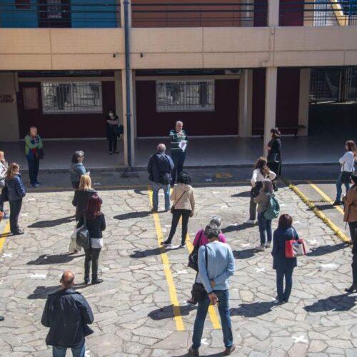 Καθηγητής Οξφόρδης: Τουλάχιστον 8 μέτρα η ασφαλής απόσταση για τον κορωνοϊό