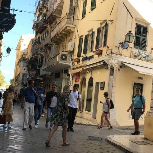 """Απελπισία για τους εργαζόμενους στον τουρισμό: """"Θα πεθάνει ο κόσμος στην πείνα""""(video)"""