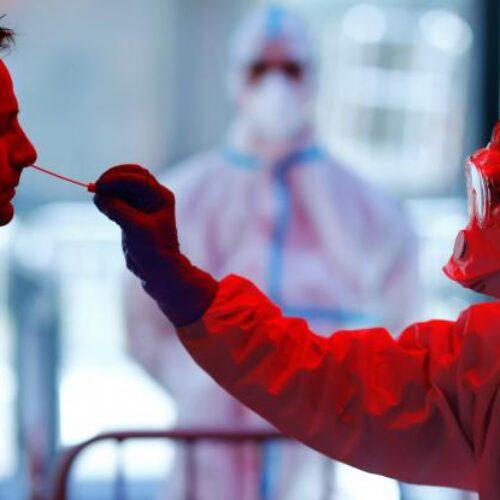 Δυσοίωνη πρόβλεψη: Τουλάχιστον το 40% του παγκόσμιου πληθυσμού θα αρρωστήσει από τον κορωνοϊό