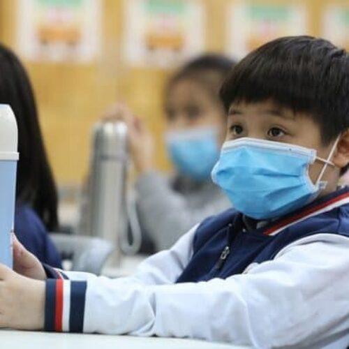 Ο «25λογος» Κεραμέως για μάσκα στα σχολεία - Καμιά αναφορά για λιγότερους μαθητές ανά τμήμα και μόνιμες προσλήψεις