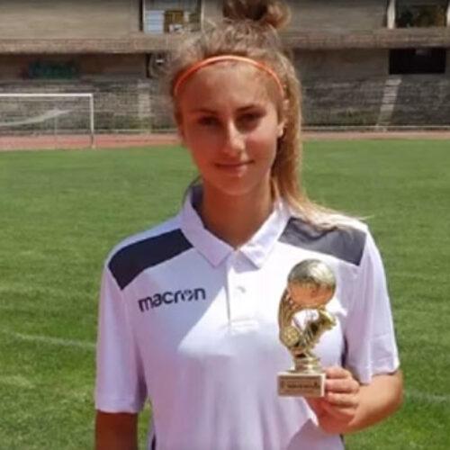 Δεκαεξάχρονη ναουσαία ποδοσφαιρίστρια διεκδικεί ρεκόρ Γκίνες!