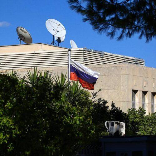 """Η ρωσική πρεσβεία για Πομπέο: """"Οι Αμερικανοί θέλουν να τραβήξουν την Ελλάδα στο αντιρωσικό μέτωπο"""""""