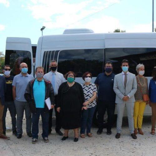 Παραχώρηση λεωφορείου στο ΚΕΜΑΕΔ από το Ίδρυμα Νιάρχος και παράδοσή του στο Δήμο Βέροιας