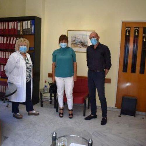 Επίσκεψη Φρόσως Καρασαρλίδου στο Κέντρο Υγείας Βέροιας