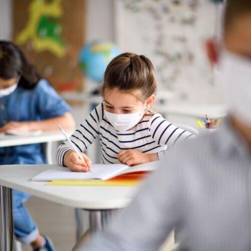 """""""Πάμε σχολείο με 2 μάσκες και 1 παγουρίνο κι η υγεία μαθητών - εκπαιδευτικών στο ρίσκο"""" γράφει ο Παναγιώτης Χατζησάββας"""