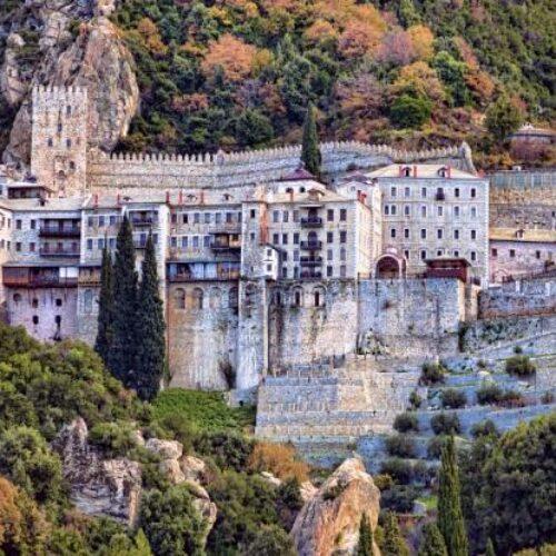 Κορωνοϊός: Διασωληνώθηκε μοναχός του Αγίου Όρους – Έντονο ενδιαφέρον Τσιόδρα