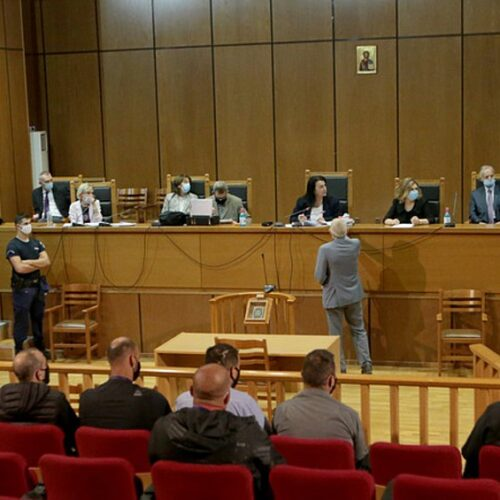 Δίκη Χρυσής Αυγής: Διέκοψε το δικαστήριο για αύριο - Η δυνατότητα βίαιης προσαγωγής