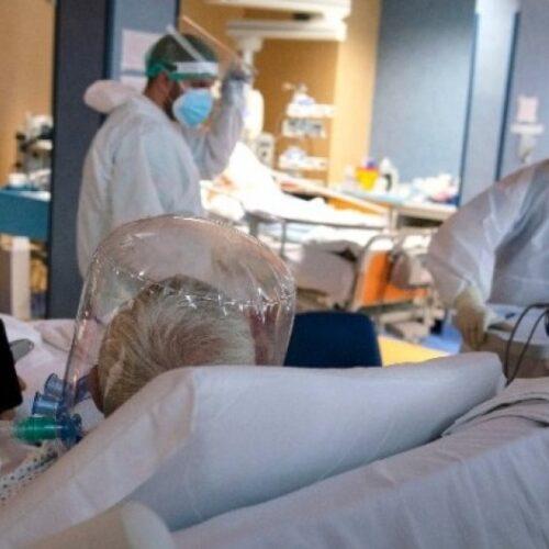 Επελαύνει ο ιός: 1211 τα νέα κρούσματα, 12 οι θάνατοι - Η κατανομή στη χώρα