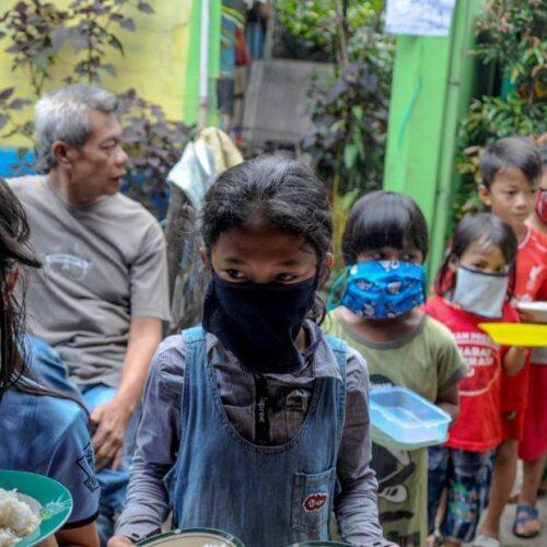 """""""Ο ιός των ανισοτήτων - Οι πολύ φτωχοί αναμένεται ότι θα αυξηθούν κατά 240 με 490 εκατομμύρια φέτος"""" γράφει ο Βασίλης Γαλούπης"""
