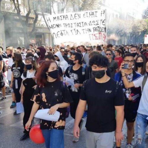 """Δημήτρης Κουτσούμπας: """"Τί δεν καταλαβαίνει η κυβέρνηση; - Οι μαθητές έχουν δίκιο. Είμαστε μαζί τους"""""""