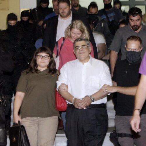 Χρυσή Αυγή: 13 χρόνια κάθειρξης στην διευθυντική ομάδα – Ισόβια στον Ρουπακιά