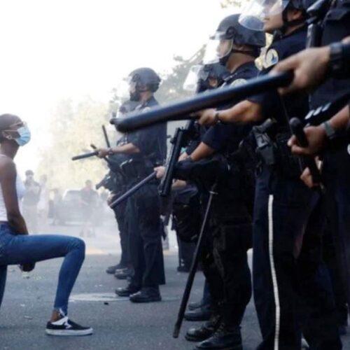 """""""Δυνάμεις καταστολής"""" γράφει ο Νότης Μαυρουδής"""