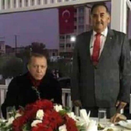 """""""Η αναμνηστική φωτογραφία με τον δολοφόνο του Σολωμού και το ποιόν του Ερντογάν"""" γράφει ο Κώστας Βενιζέλος"""