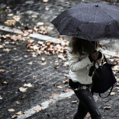 ΕΜΥ: Αλλαγή στο σκηνικό του καιρού – Πού βρέχει, πού αναμένονται καταιγίδες και χαλάζι
