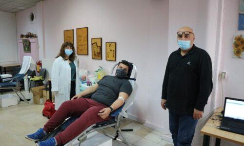Η εθελοντική αιμοδοσία του Νοσοκομείου Βέροιας στο κέντρο της πόλης συνεχίζεται- Μεγάλες ανάγκες για αίμα ζητούν ανταπόκριση