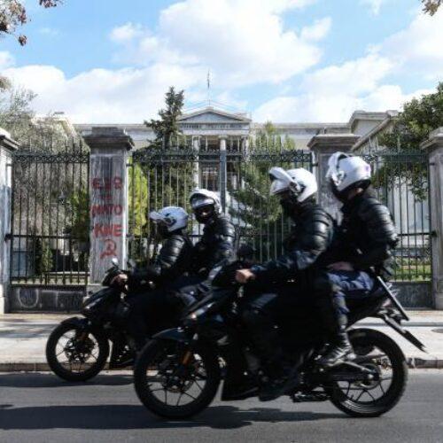 Εισαγγελείς κατά κυβέρνησης για Πολυτεχνείο: Να ανακληθεί άμεσα η απαγόρευση συναθροίσεων