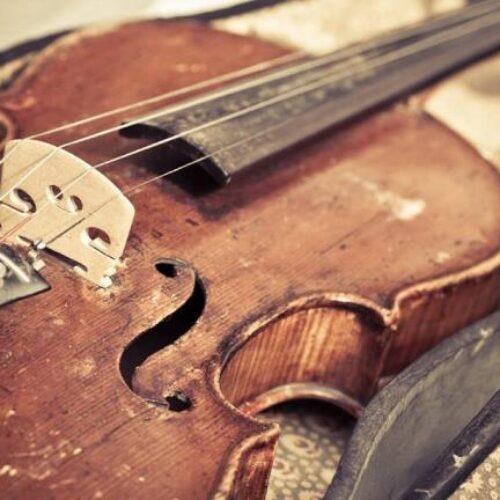 """""""Μουσική - μουσικοί σε δοκιμασία"""" γράφει ο Νότης Μαυρουδής"""