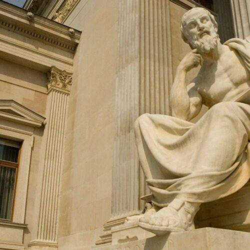 """""""Η σκέψη είναι το φως του κόσμου"""" γράφει ο Ηλίας Γιαννακόπουλος"""
