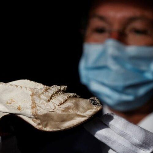 Γαλλία: Παπούτσι της Μαρίας Αντουανέτας δημοπρατείται εν μέσω πανδημίας