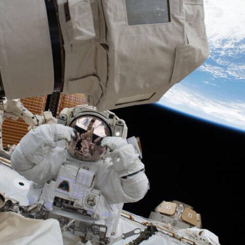 NASA: Γενέθλια 20 ετών με σπάνιες φωτογραφίες για τον Διεθνή Διαστημικό Σταθμό (photos)