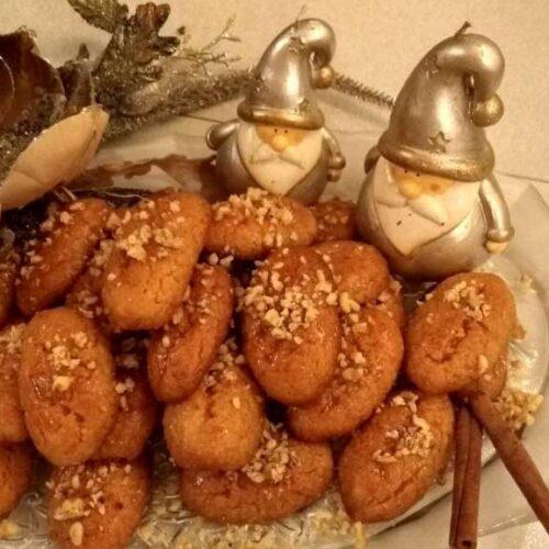 Μελομακάρονα, το γλύκισμα των Χριστουγέννων