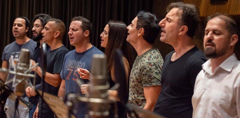 """""""Το νερό των Σταγιατών"""": Συλλογική ερμηνεία φίλων στο τραγούδι του Αλκίνοου Ιωαννίδη"""