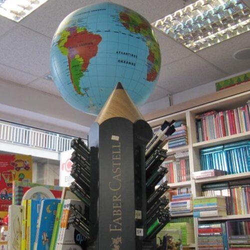 Τα βιβλιοπωλεία ανοίγουν. Η Τασούλα Χριστοδούλου από το «Ηλιοτρόπιο» μιλά στη Φαρέτρα