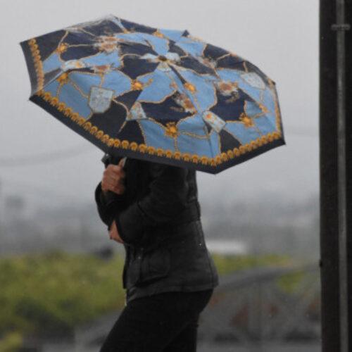 ΕΜΥ: Βροχές και πρόσκαιρες καταιγίδες το επόμενο 48ωρο - Χιονοπτώσεις στα ορεινά της κεντρικής και βόρειας χώρας