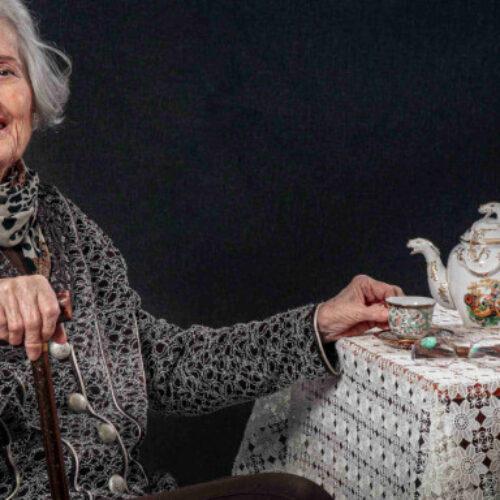 Εκπληκτικό ημερολόγιο του 2021 γηροκομείου στην Ξάνθη - Ηλικιωμένοι ποζάρουν σαν μοντέλα