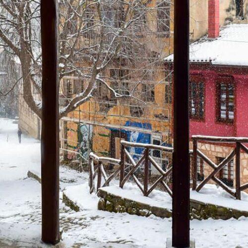 ΕΜΥ: Αναμένονται πυκνές χιονοπτώσεις, θυελλώδεις άνεμοι και ισχυρός παγετός