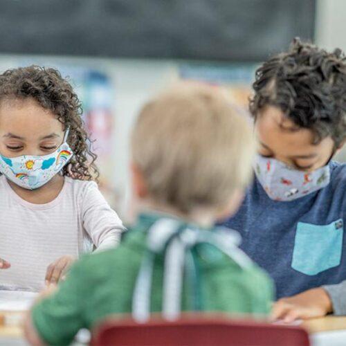"""""""Τα σχολεία ανοίγουν για να… ξανακλείσουν"""" γράφει η Υπατία Κοκκινάκη"""