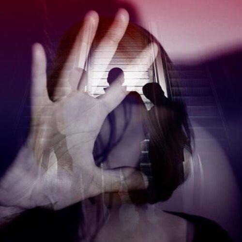 """""""Σεξουαλική κακοποίηση και νόμος - Μια δύσκολη και τραυματική διαδικασία"""" γράφει ο Δημήτρης Χρυσικόπουλος"""