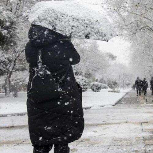 ΕΜΥ: Πρόβλεψη για ισχυρές βροχές και καταιγίδες, χιονοπτώσεις, θυελλώδεις ανέμους, παγετό
