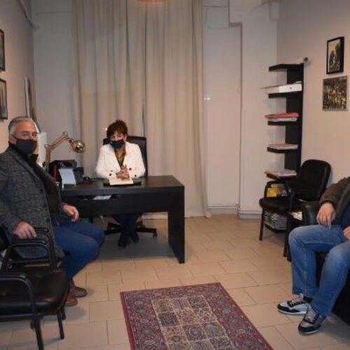 Συνάντηση Φρόσως Καρασαρλίδου με εκπροσώπους των Κοινοτήτων του Δήμου Νάουσας.