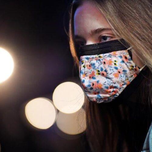 Διπλή μάσκα υπό τον φόβο των μεταλλάξεων: Πόσο μας προστατεύει - Τα τελευταία ευρήματα