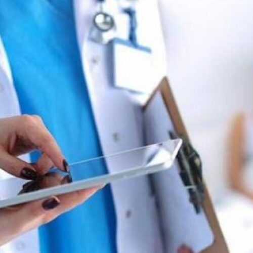"""ΚΚΕ: Θησαυρίζουν οι ιδιώτες στην υγεία με τη """"βούλα"""" ΕΕ - Κυβέρνησης"""