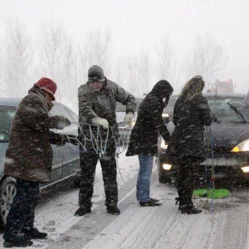 Δευτέρα, 15-2-2021 Ώρα 10.00. Οδικά σημεία της Κ. Μακεδονίας που χρειάζονται αλυσίδες - Απαγόρευση κυκλοφορίας φορτηγών