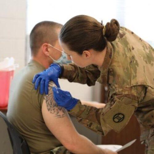 ΗΠΑ - Κορωνοϊός: Ένας στους τρεις στρατιωτικούς δεν θέλει να εμβολιαστεί