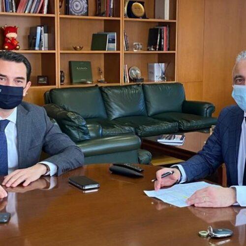 Ο Λάζαρος Τσαβδαρίδης με τον Υπουργό Περιβάλλοντος και Ενέργειας για το «Εξοικονομώ – Αυτονομώ»