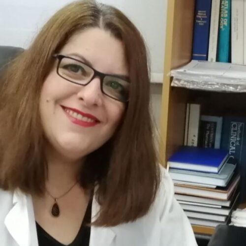 Γιατροί της Βέροιας στη μάχη της πανδημίας - Η μικροβιολόγος Χαρά Κοντού μιλά στη Φαρέτρα