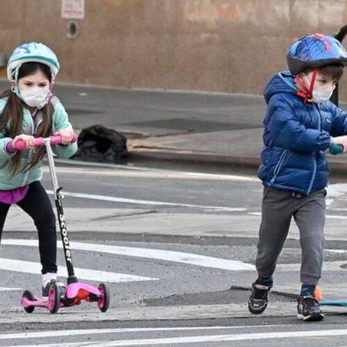 Έρευνα - Κορωνοϊός: Παιδιά έως 10 ετών αναπτύσσουν πολλαπλάσια αντισώματα έναντι των ενηλίκων