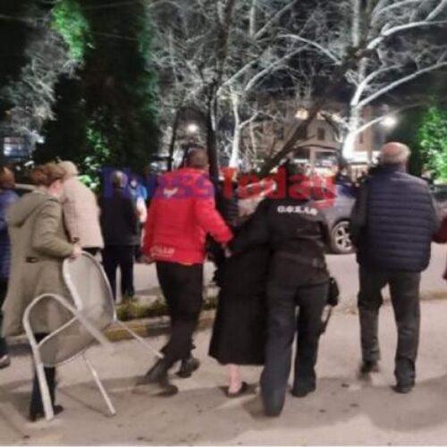 Τύρναβος: Εκκενώνεται ξενοδοχείο που διέμεναν σεισμοπαθείς (video)